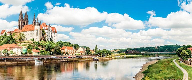 Urlaub-in-Sachsen-Albrechtsburg-über-der-Elbe-in-Meissen